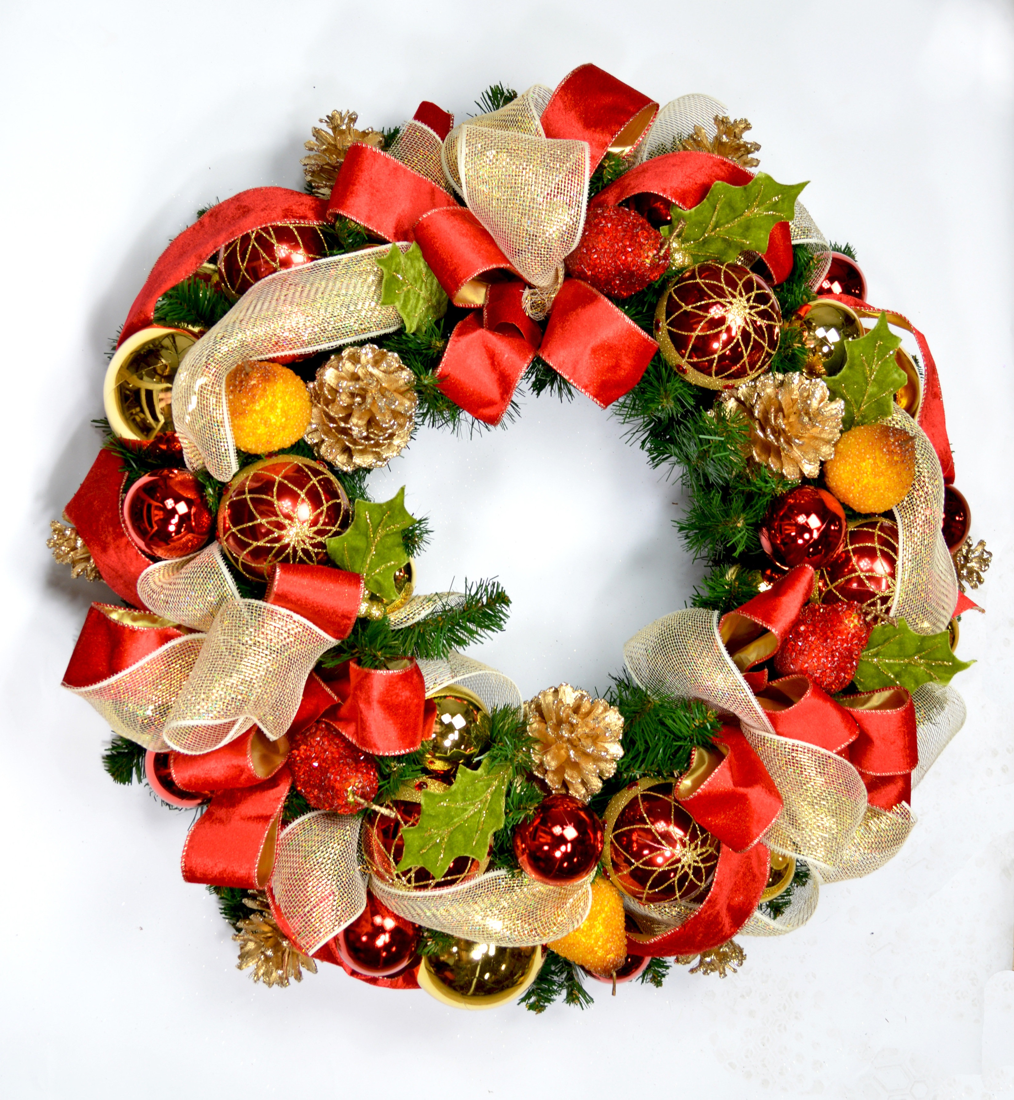 cdwr624 red and gold christmas wreath with pears